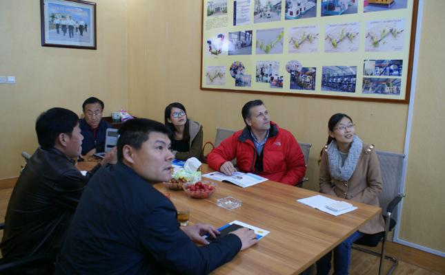 俄罗斯客户订购木屑颗粒机生产线