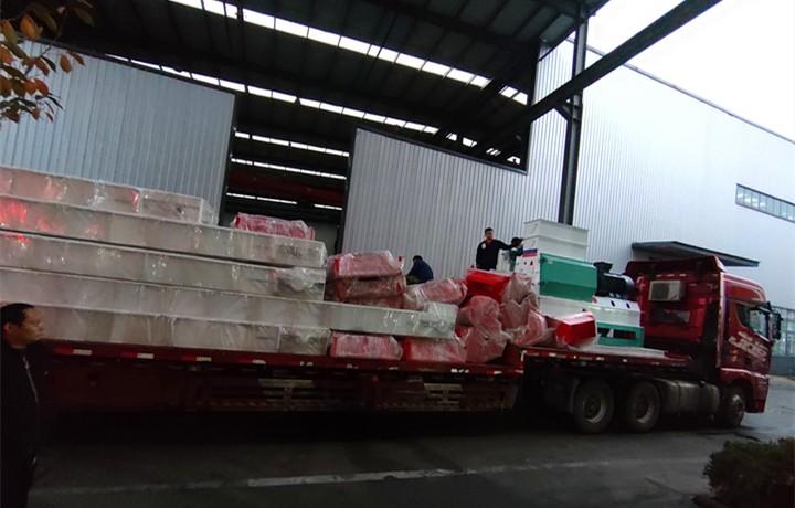 山东金格瑞生物质颗粒机伴随着初冬的第一场雪即将发往河南郑州
